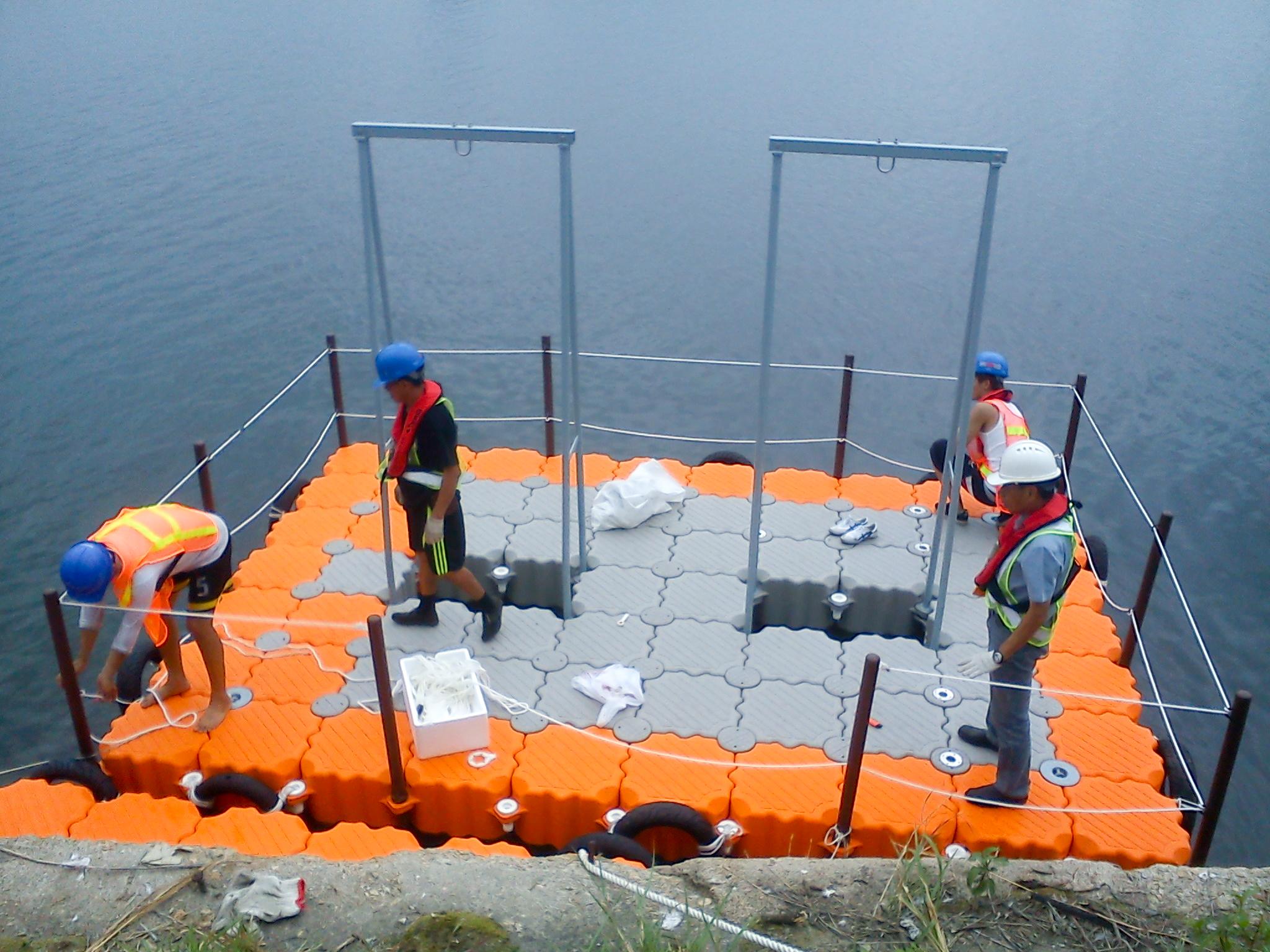 Malacate grua flotante muelle modular